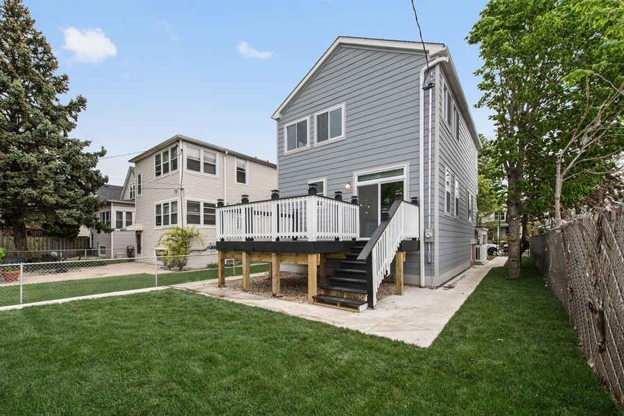 Deck remodelers in Chicago